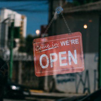 Hygiene-Konzept-Geschäft-Wiedereröffnung